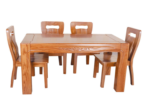 16-A餐桌